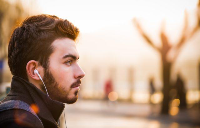 dlaczego ludzie łysieją